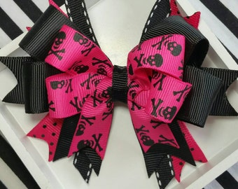 Pirate Hairbows, Pirate Party, Jolly Roger Set of 2, photo prop, swashbuckler skull crossbones Matey hair accessories punk rock day Hot Pink