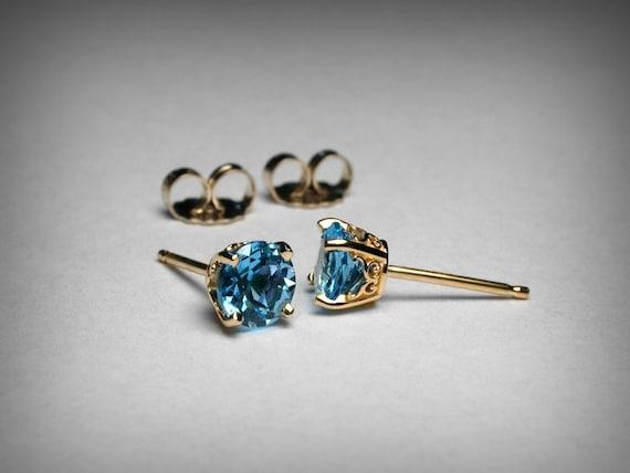 14KY Gold Post Earrings E012 Swiss Blue Topaz
