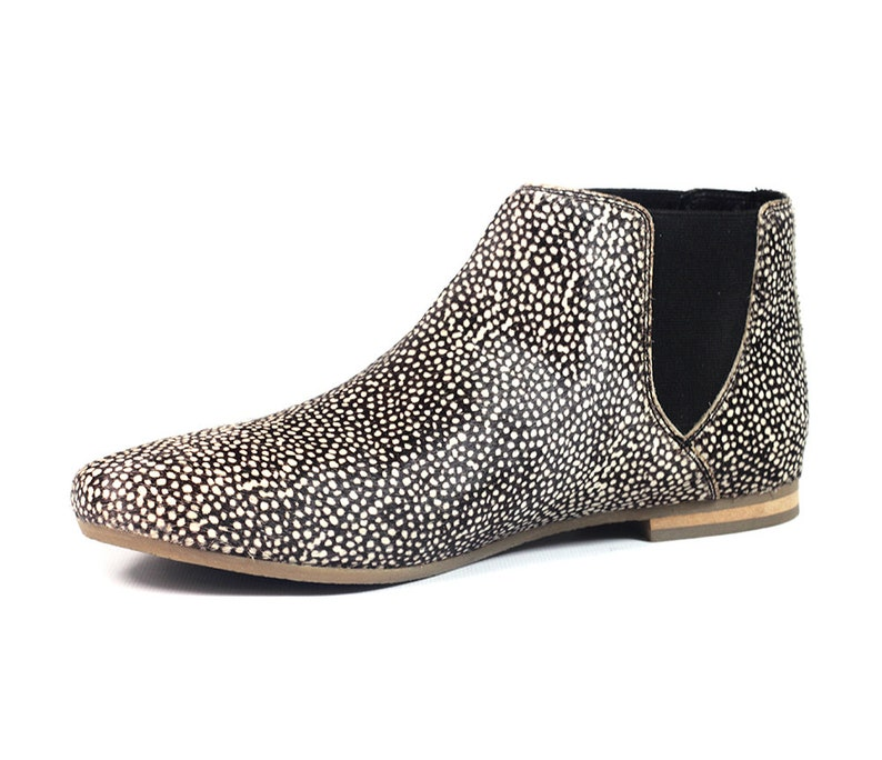 151057cabd0d Aspele Women s Hairon Leather Chelsea Animal Print Ankle