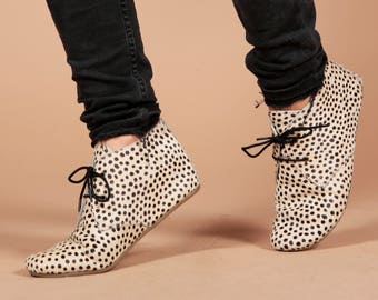 Hairon Leather Fearless Cheetah Leopard Print Ankle Flat Chelsea Boots