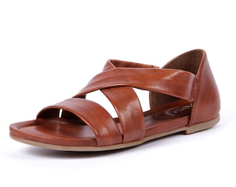 Womens Cognac Leather Sandals with Elastic Straps