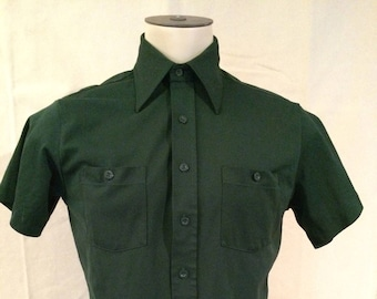 1970s Polyester Shirt - Forest Green - Short Sleeve - Pointy Collar - Disco - Hipster - Casual - by King's Road Sears - Size Medium