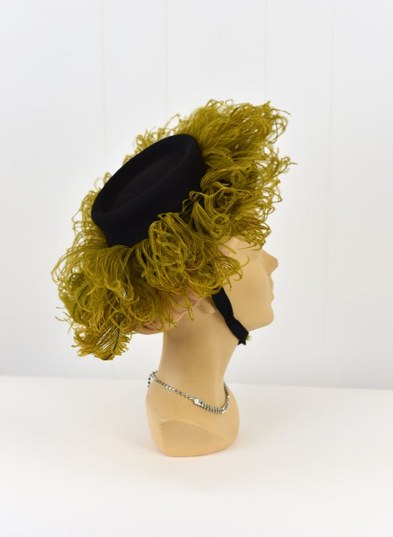 1940's Chartreuse Feathered Hat - image 6