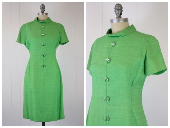 1960s Kelly Green Dress Large Faux Buttons Mod