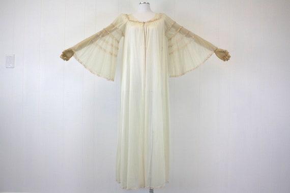 1970's Cream Angel Wing Sleeve Robe Lingerie