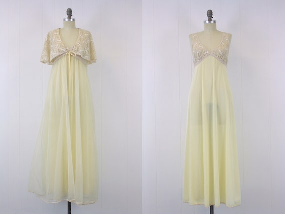 1960s Pale Yellow Nylon & Lace Peignoir Set