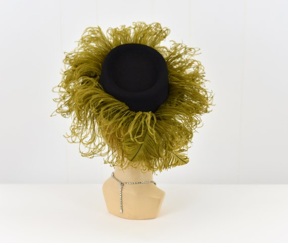 1940's Chartreuse Feathered Hat - image 5