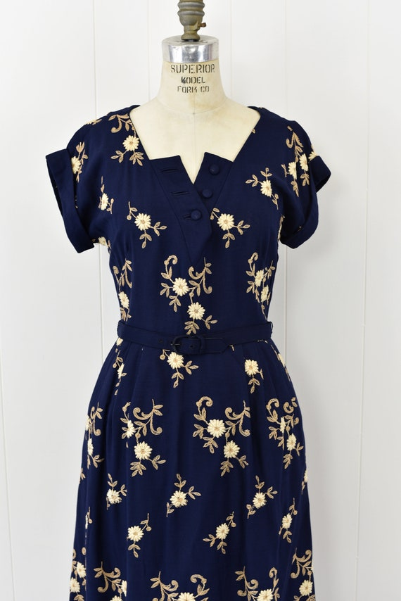 1940's Navy Floral Embroidered Dress - image 3