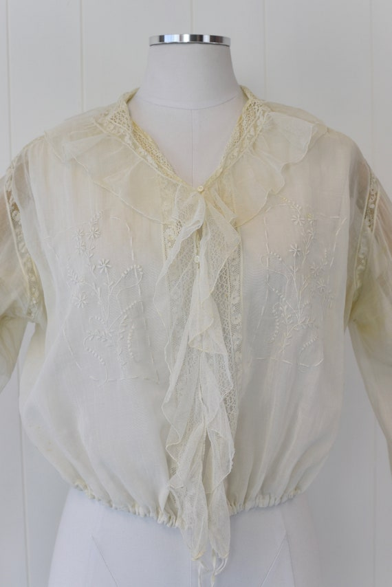 Antique 1900s White Voile Floral Embroidered Blou… - image 2