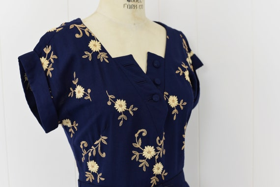 1940's Navy Floral Embroidered Dress - image 4