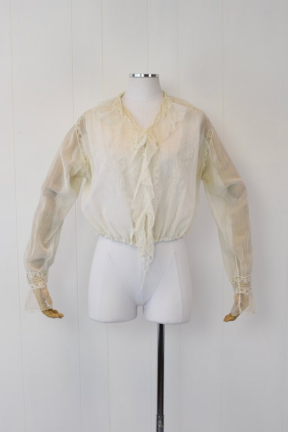 Antique 1900s White Voile Floral Embroidered Blou… - image 1
