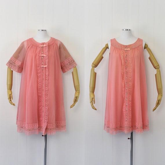 1960's Pink Nylon Peignoir Set