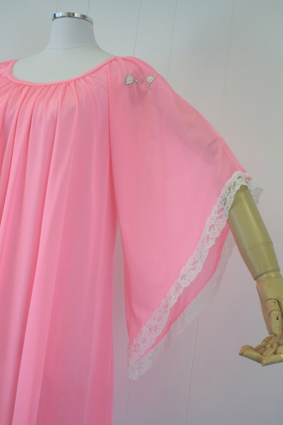 1970s Lucie Ann Pink Angel Wing Sleeve Nightgown … - image 9
