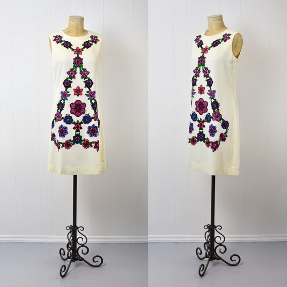 1960s Alfred Shaheen Floral Shift Dress - image 1