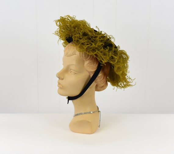 1940's Chartreuse Feathered Hat - image 4