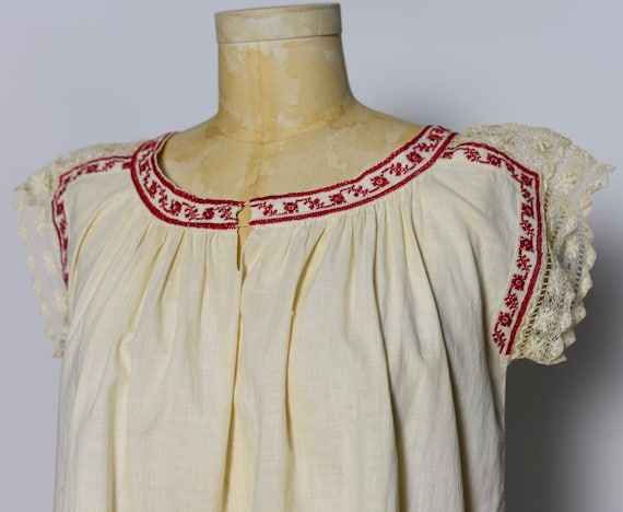 1930s Hungarian Hand Crocheted Blouse - image 2