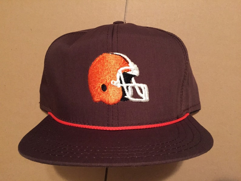 Vintage deadstock Cleveland Browns snapback hat cap 90s jersey  7a2eca043