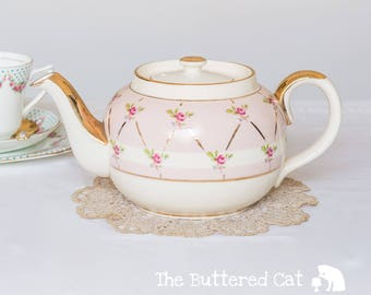Vintage pink ditsy rose Sadler teapot, a very pretty teapot for daily use