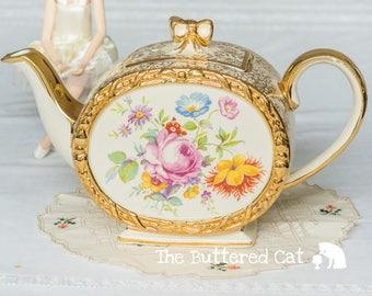 Vintage barrel shaped Sadler teapot, beautiful floral bouquet