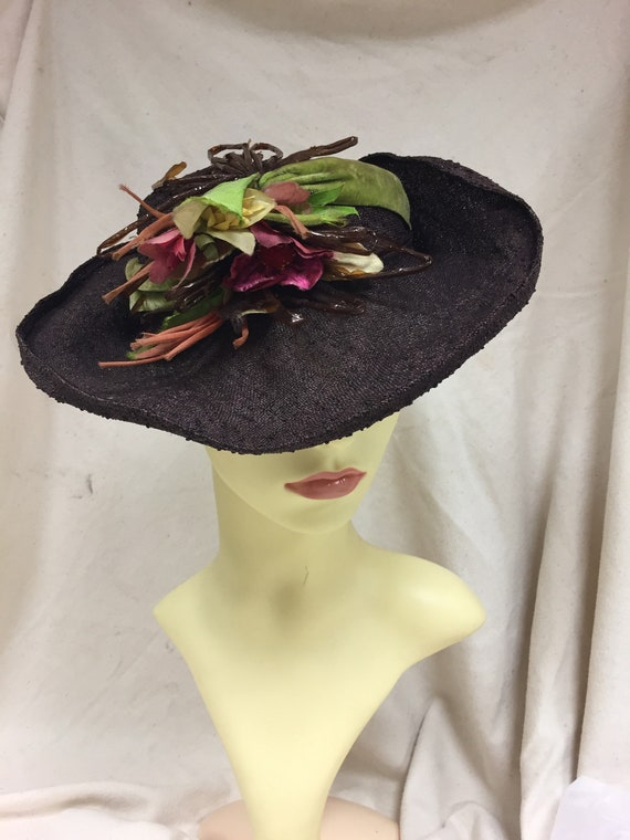 1940s Brown straw summer tilt hat