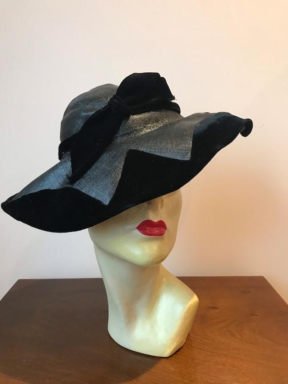 1930s black straw and velvet hat