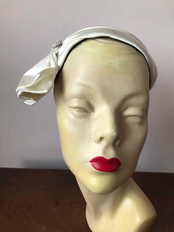 1950s white satin skull cap hat - image 2