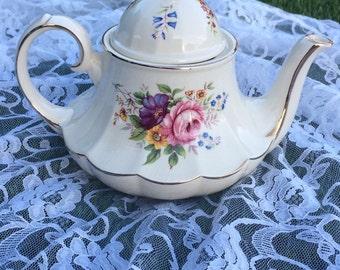 Sadler Carousel Teapot