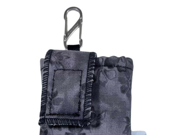 Grey Black Flower Insulated Insulin Pump Case with NiteIze S-clip