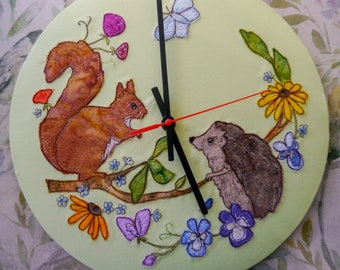 PDF pattern for 30cm Squirrel and hedgehog gossiping clock raw edge applique free motion embroidery summer, brambles, whimsy, whimsical