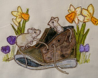 Printed pattern for Hide and Seek Mice in old boot raw edge applique tutorial free motion embroidery