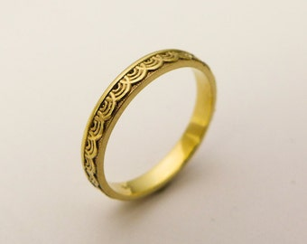14k / 18k Solid Gold Simple Wedding Band for Women, Thin Gold Band with Delicate Pattern, Gold lace wedding band, Waves Wedding Band