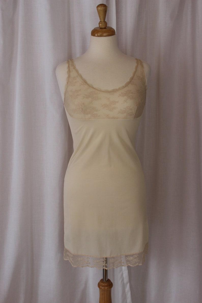 VTG 60s Henson Kickernick Nude Beige Lace Bodice Slip Full Slip Size 32 Vintage Lingerie