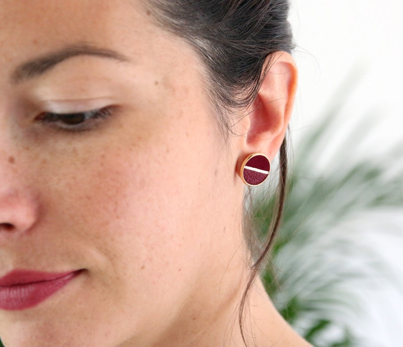 PUCES D'OREILLES GINNY velvet leather disc and smooth image 0