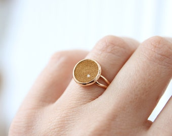 BAGUE baby GINNY leather disc cabochon style and gold leather dot insert