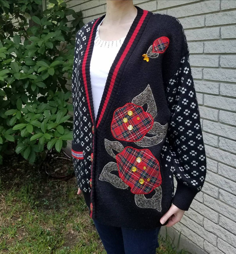 326c3438c2c8cb Vintage 80s 90s cardigan sweater black with white and red knit