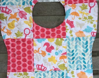 Scavenger Hunt at the Beach Quilted Bib