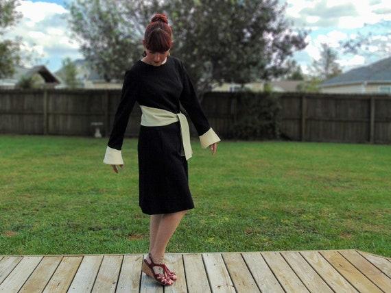 Vintage 60's Mod Black and White Long Sleeve Dress