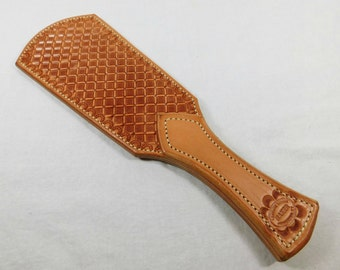 Small Beaver Tail Light Oil / Natural Leather Paddle with a Diamond Pattern Mature Novelty