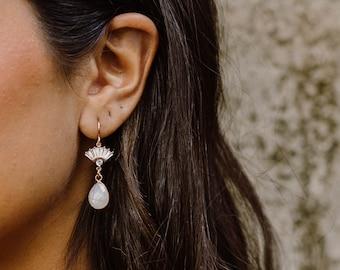Aria Moonstone Earrings, Bridal Statement Earrings, Wedding Jewelry, Fan Earrings, Art Deco Earrings, Bridal Jewelry, Teardrop Earrings