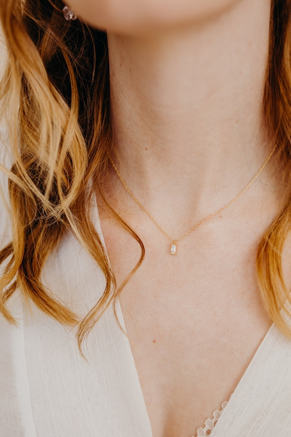 Tiny Triangle Necklace Minimal Delicate Simple thin chain Necklace