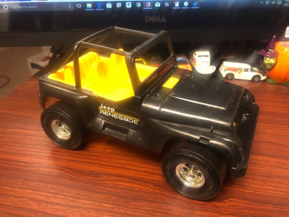 Jeep Wrangler Renegade >> Vintage Tootsietoy Jeep Wrangler Renegade Plastic Vehicle Tootsie Toy