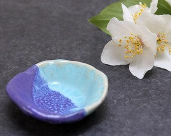 Small pottery bowl mauve and sky blue, handmade ceramic, stoneware, jewellery holder, ring dish, decorative pot, bowl, decorative pottery