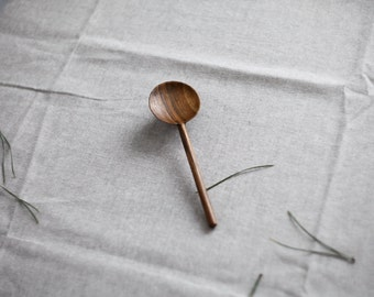 Round walnut wooden spoon | Handcarved spoon | Peanut butter spoon | Nutella spoon | Dessert spoon | Ice cream spoon | Wood dinnerware