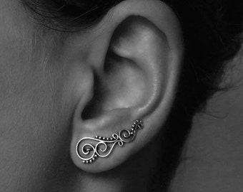 earclimber earring spiral with dots