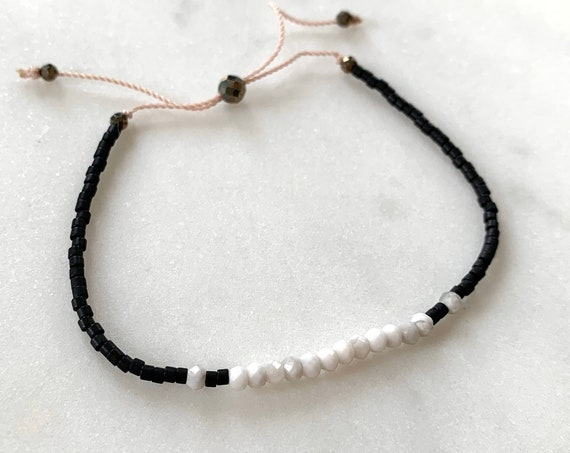 GODDESS Collection> WHITE HOWLITE Healing Beads w/Matte Black Glass Beads/ Adjustable Nylon Bracelet/Layering/ Pop of Color// Calming