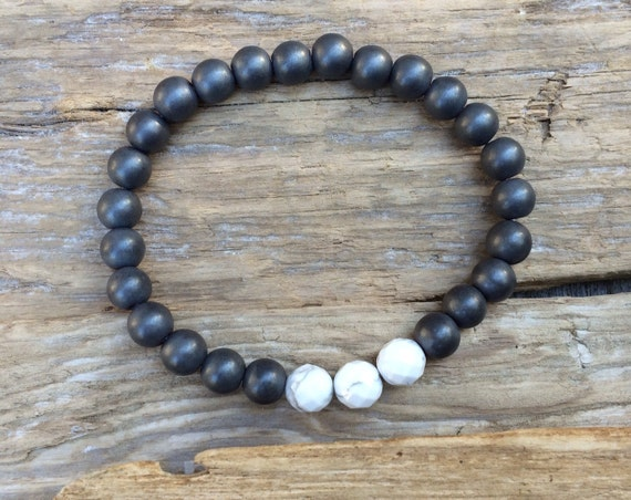 Frosted Hematite Beaded Bracelet with Faceted White Howlite Healing Beads// B.J.B.A.// MEN'S BRACELET// Healing Bracelet// Unisex Bracelet