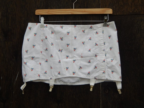 Girdle Soviet -Time Vintage White Suspender Girdle