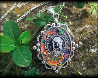 Marilyn Monroe Necklace Pendant, Handmade Jewelry, Resin Necklace, Epoxy Resin jewelry, Unique Pendant Jewellery Gift for her Gift for women
