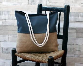 Borsa da spiaggia - grigio scuro - Maxibolso di tela bianca estata, fatto a mano in tela di sacco e crudo, con cicli di pizzo di cotone