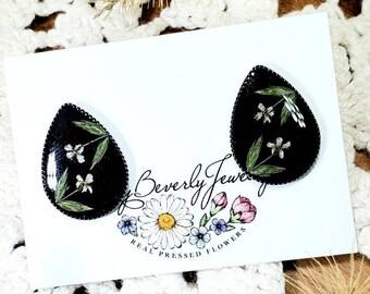 Real Pressed Flower Earrings/ Flower Studs/ Cute Studs/ Botanical Earrings/ Garden Lover/ Whimsical Earrings/ Wildflower Earrings/ Boho Stud